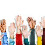 groupe-mains-diverses-multiethniques-levees_53876-64967